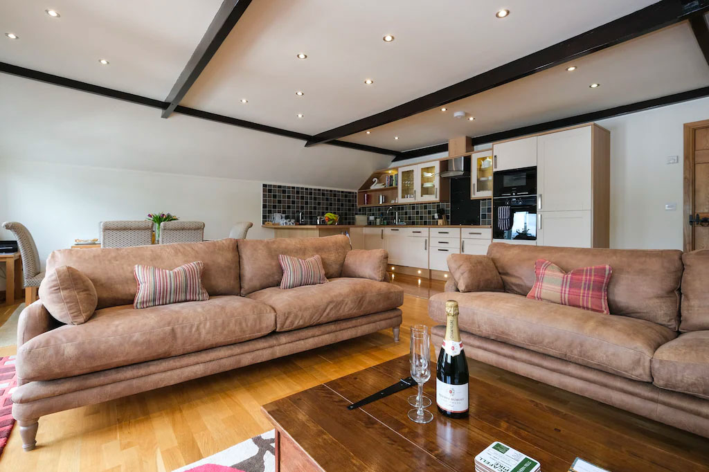 windermere-lakehouse-walkers-new3-accommodation-self-catering